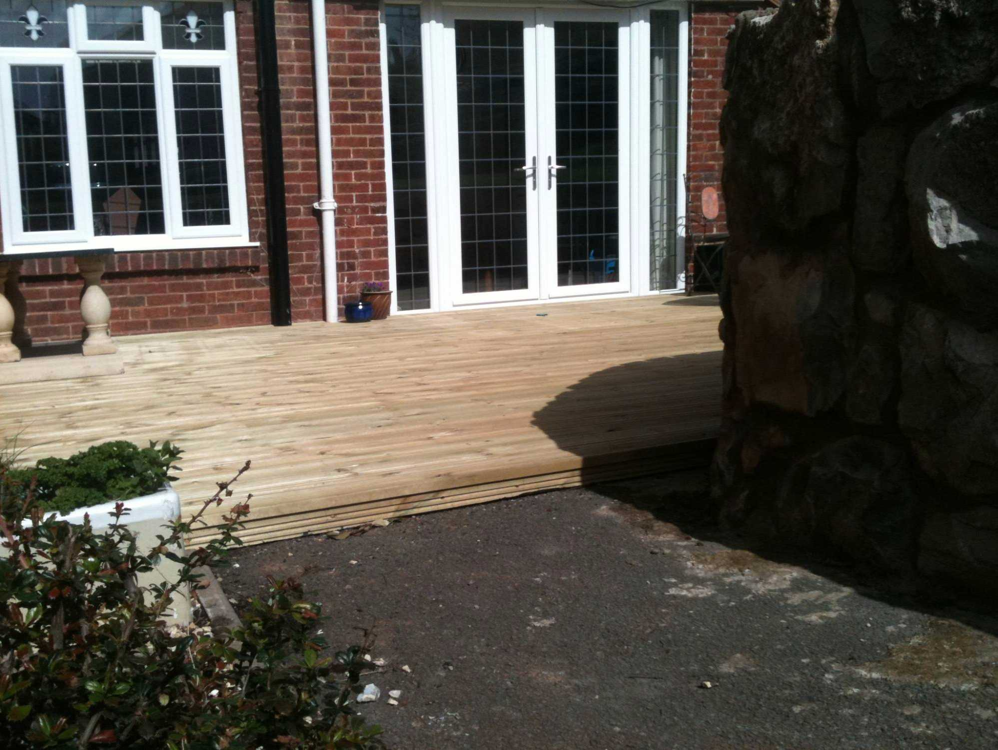 north wales building contractors quality decking